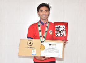 केवी नंबर 2 जीसीएफ जबलपुर के छात्र हर्ष पंडित को इंडिया बुक ऑफ रिकॉर्ड्स से सर्टिफिकेट मिला। उन्होंने प्लास्टिक मुक्त भारत और जल संरक्षण के उद्देश्य से जबलपुर से दिल्ली (26 जनवरी 2020 से 12 फरवरी 2020) तक 900 किलोमीटर की मैराथन पूरी की।