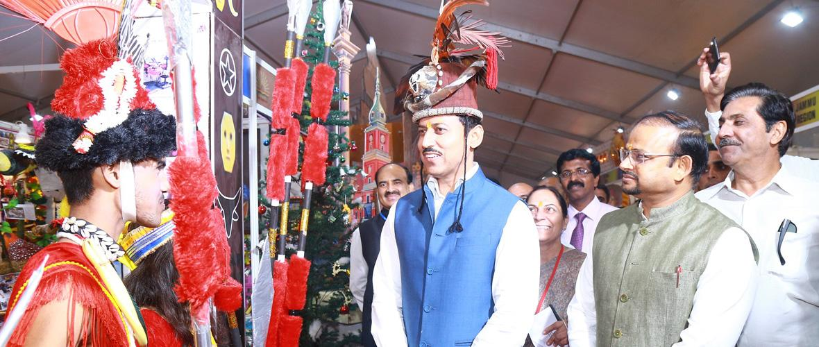 Union Minister of State for Sports & Youth Affairs and Information & Broadcasting Ministry Col. Rajyavardhan Singh Rathore visits exhibition stall of Nagaland State presented by Lucknow Region. (31.10.2018)