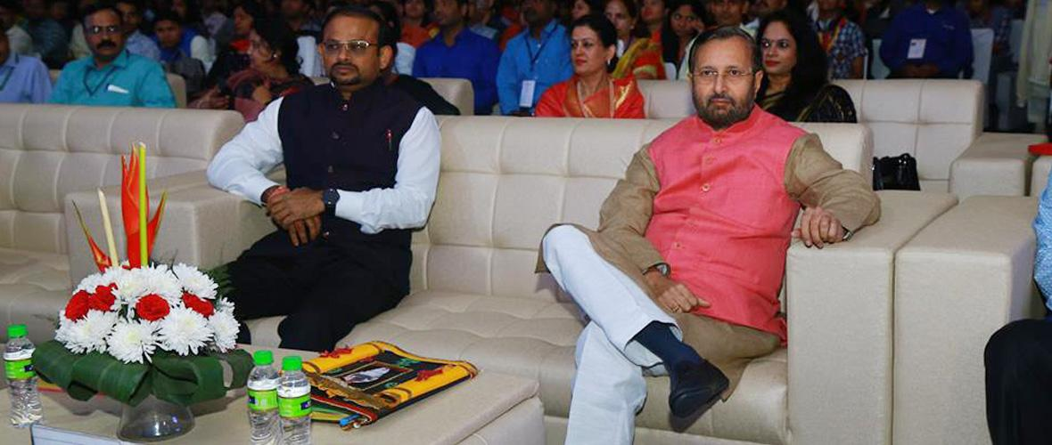 Union Minister for HRD Sh. Prakash Javadekar visited KVS Rashtriya Ekta Shivir-EK bharat Shreshth Bharat-2018 at Vigyan Bhawan Lawns New Delhi. (1.11.2018)